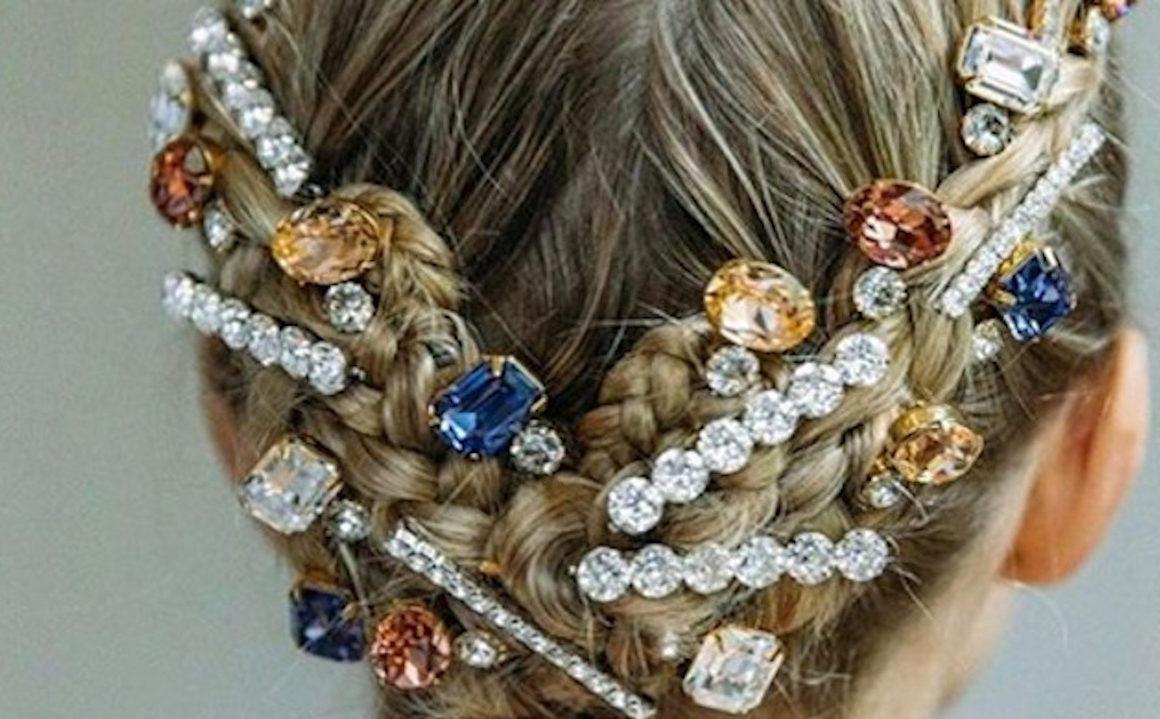 10 idées de coiffures de fêtes spottées sur Insta