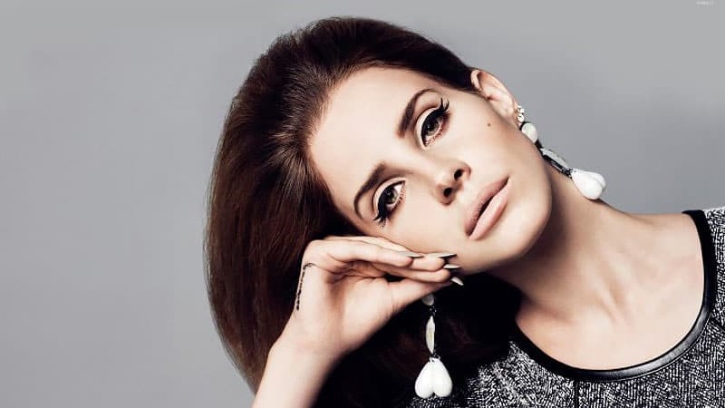 Le Cut Crease : la tendance make-up inspirée des sixties