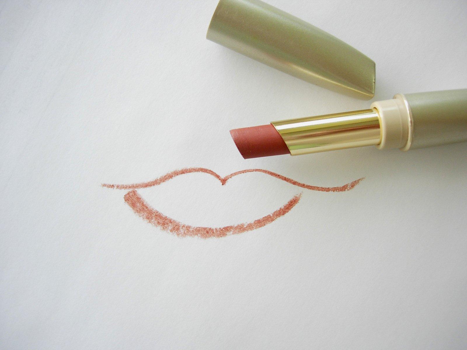 Quel rouge à lèvres nude pour mon type de peau ?