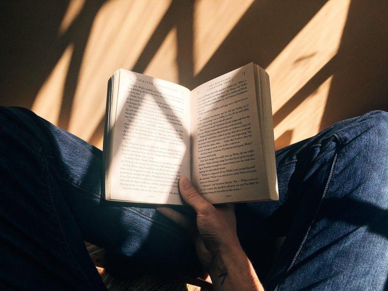 Les livres sur le féminisme que vous allez adorer dévorer cet été